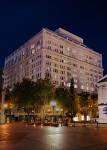 2010-Editor-s-Blog-Oregon-Portland-downtown-The-Nines-hotel-exterior-at-night