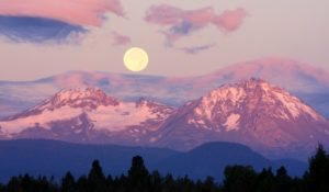 1859-oregons-birthday-photo-contest-central-oregon-harvest-moon-over-hayden-glacier-lisa-armstrong-taken-from-ranch-in-tumalo