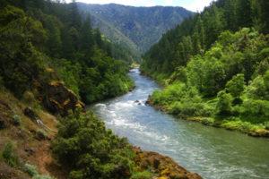 1859_web_spring-hiking_rogue-river_zack-palmer_600x400