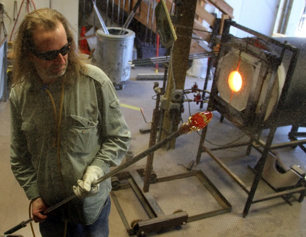 2014-march-april-road-recon-hw101-glass-blowing