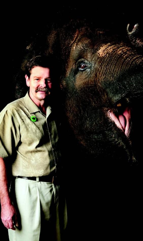 2009-Autumn-Oregon-People-Portland-Mike-Keele-Asian-elephant-expert