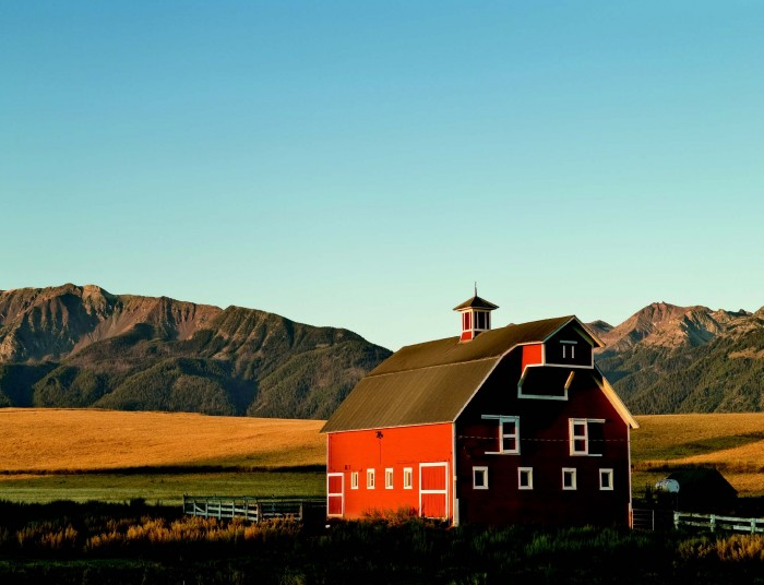 2010-Summer-Eastern-Oregon-Travel-Outdoors-Wallowa-Mountains-Joseph-barn