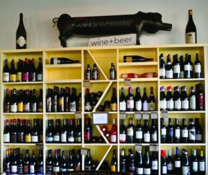 2011-Autumn-Oregon-Small-Town-Willamette-Valley-Dundee-Red-Hills-Market-wine-wall