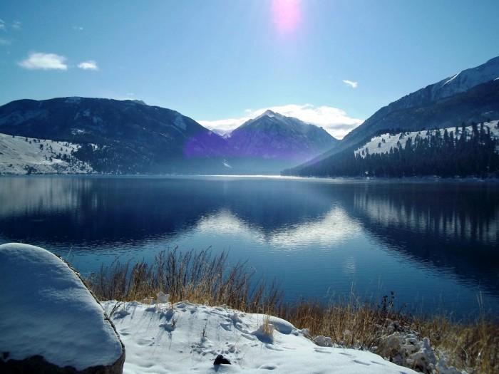 2011-Autumn-Oregon-Wallowa-Lake-in-the-winter-postcard