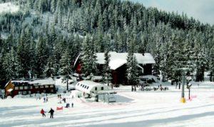 2011-Winter-Oregon-Adventures-Central-Cascades-Willamette-Pass-lift-line