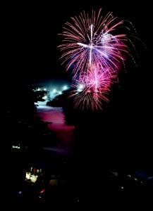 2011-Winter-Oregon-Adventures-Northern-Cascades-Mt-Hood-Skibowl-fireworks