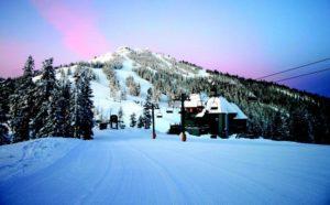 2011-Winter-Oregon-Adventures-Southern-Cascades-Mt-Ashland-lift