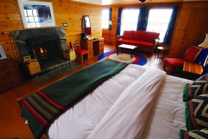 Timberline-fireplace-suite