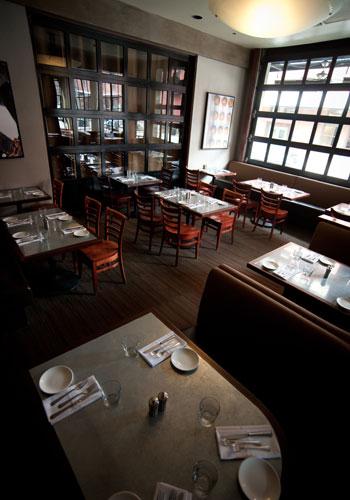 paragon-restaurant-brasserie-barbeque-art-gallery-portland-oregon