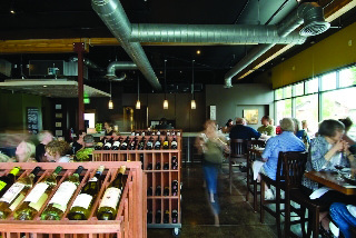 portello-wine-cafe-oregon-bar-travel