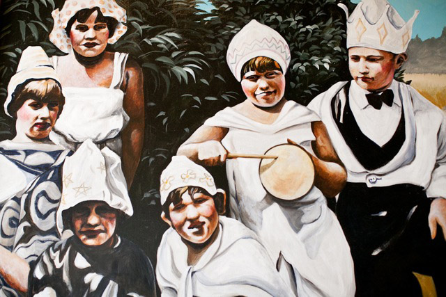 2012-Oregon-Artist-McMenamins-mural-of-children-with-hand-made-hats-by-muralist-Myrna-Yoder-art
