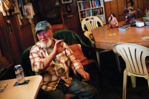 2012-july-august-1859-southern-oregon-roseburg-dive-bars-tee-pee-tavern-pierce-tells-story-busch-light