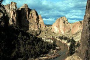 2012-september-october-1859-oregon-adventures-pioneers-climbing-smithrock-classic-view