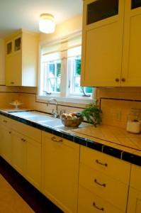 2012-september-october-1859-portland-oregon-design-old-homes-mocks-crest-legacy-house-kitchen-sink-window