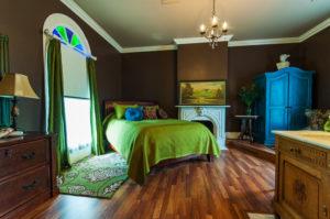 2012-september-october-1859-portland-oregon-old-home-remodel-bf-dowell-house-bedroom