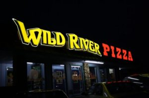 eastern-oregon-brookings-harbor-wild-river-pizza-logo
