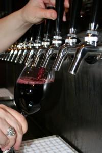 keg-pour-wine-tap-restaurant-bar-oregon