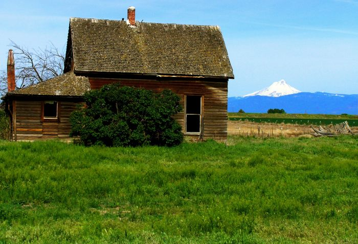 summer-2012-columbia-gorge-mt-hood-road-reconsidered-highway-197-maupin-dalles-tygh-valley-farmhouse