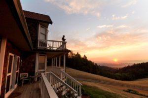 1859-explore-supplier-willamette-valley-mcminnville-youngberg-hill-sunrise-balcony