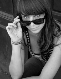 1859-magazine-portland-oregon-faces-of-hawthorne-boulevard-tricia-seabold-sunglasses-black-and-white