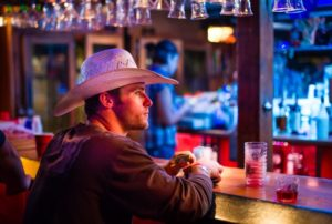 1859-magazine-summer-2012-eastern-oregon-pendleton-round-up-bill-purcell-cowboy-at-the-bar