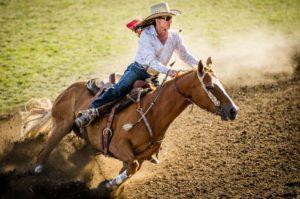 1859-magazine-summer-2012-eastern-oregon-pendleton-round-up-bill-purcell-female-horse-rider