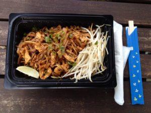 1859-summer-2012-portland-oregon-food-cartographer-krua-bangkok-thai-food-pad-thai