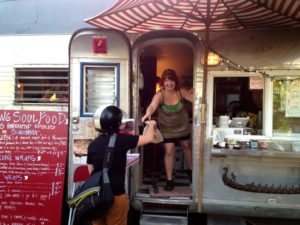 1859-summer-2012-portland-oregon-food-cartographer-viking-soul-food-picking-up-an-order