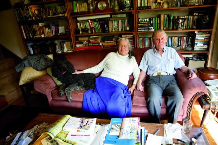 2010-summer-oregon-culture-history-hippie-oregon-older-couple