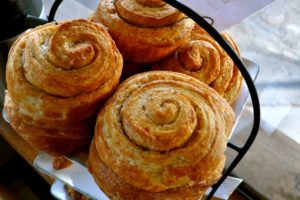 2012-Spring-Central-Oregon-Food-and-Drink-Bend-Farm-to-Table-Sparrow-Bakery-ocean-rolls