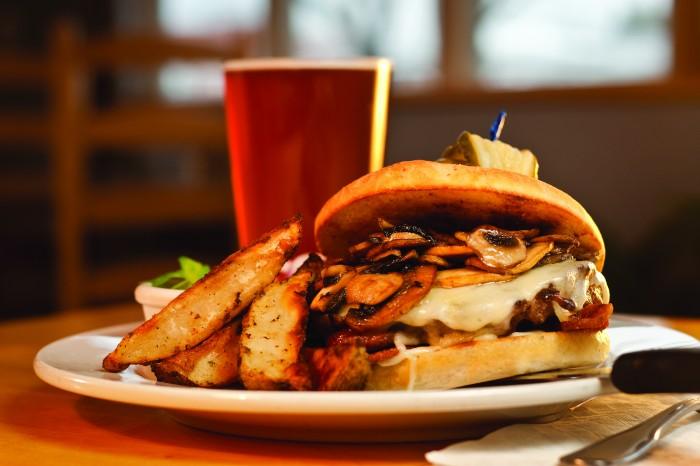 2012-Spring-Easter-Oregon-Restaurant-Review-Joseph-Mutiny-Brewing-Company-mushroom-burger