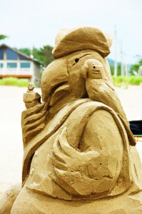 2012-Spring-Oregon-Coast-Travel-Cannon-Beach-Sandcastle-Day-sculpture-sand-art