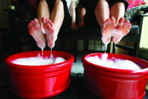 2012-Spring-Oregon-Coast-Travel-Cannon-Beach-Spa-soaking-feet-relax
