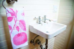 2012-Spring-Oregon-Home-And-Design-Portland-Remodel-craftsman-bathroom-sink-and-towel