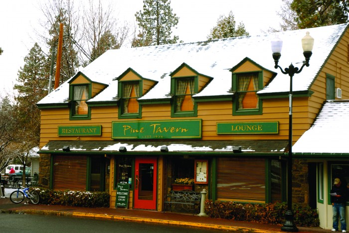 2012-Winter-Central-Oregon-Travel-Bend-Pine-Tavern-dine-eat-food-restaurant