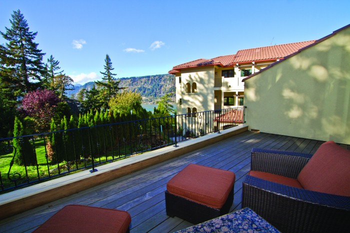 2012-Winter-Oregon-Tours-Columbia-Gorge-Hood-River-Columbia-Cliff-Villas