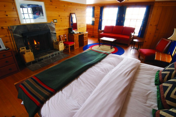 2012-Winter-Oregon-Tours-Government-Camp-Timberline-Lodge-suite