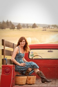 2012-summer-1859-central-oregon-bend-tumalo-cover-shoot-behind-the-scenes-truck-blackberries-carrie-cook-minns-bed