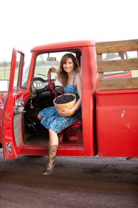 2012-summer-1859-central-oregon-bend-tumalo-cover-shoot-behind-the-scenes-truck-blackberries-carrie-cook-minns-drivers-side