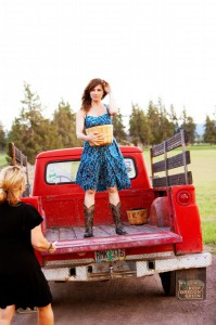 2012-summer-1859-central-oregon-bend-tumalo-cover-shoot-behind-the-scenes-truck-carrie-cook-minns-getting-more-blackberries
