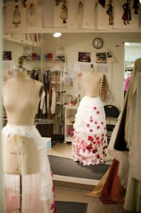 2012-summer-1859-southern-oregon-ashland-gallery-behind-the-scenes-oregon-shakespeare-festival-costume-dress-on-manequin