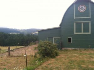 2012-summer-july-1859-willamette-valley-oregon-trail-run-chehalem-mountains-green-barn-rolling-hills