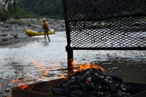 2013-jan-feb-1859-magazine-southern-oregon-rafting-the-rogue-river-grilling-on-beach