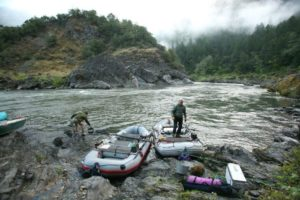 2013-january-february-1859-magazine-southern-oregon-rogue-river-rafting-rafts-shore