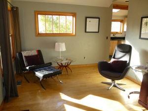 Central-Oregon-Bend-Lodging-Lavabelles-Lucinder-living-room-2
