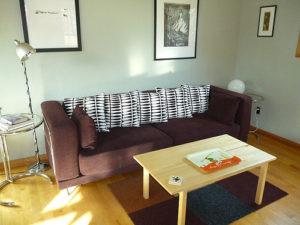 Central-Oregon-Bend-Lodging-Lavabelles-Lucinder-living-room