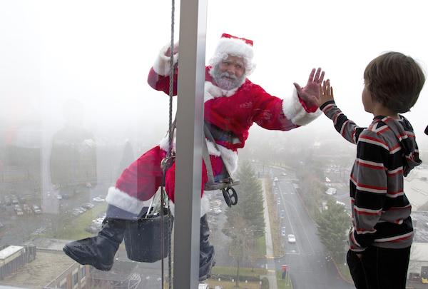 1859_Nov_Dec_2015_Santa_Beth-Nakumara-The-Oregonian_CANNOT-REUSE