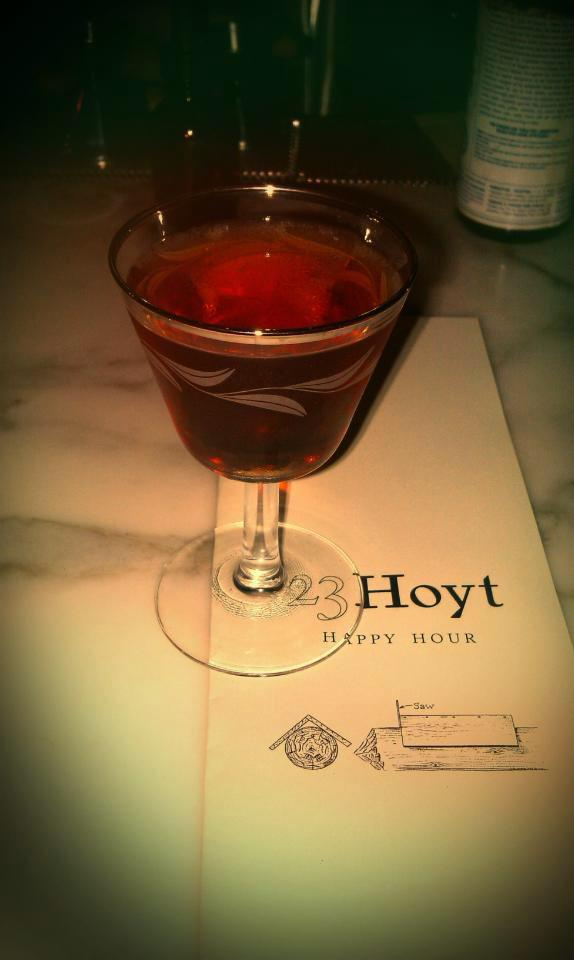 2013-january-february-1859-magazine-best-of-oregon-23-hoyt-cocktail-happy-hour