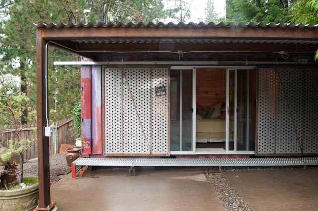 2013-january-february-1859-magazine-design-shipping-container-houses-03