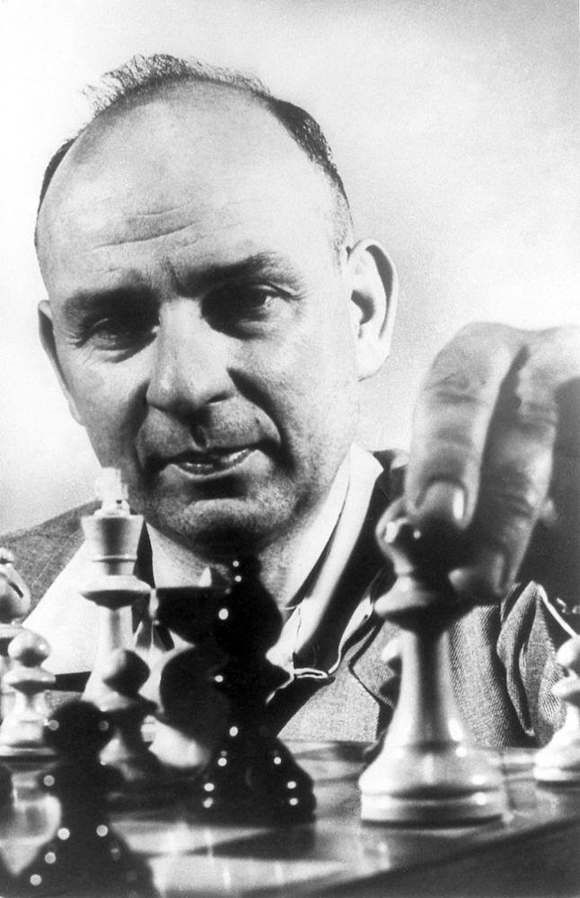 2013-january-february-1859-magazine-oregon-history-chess-grandmaster-arthur-dake-Portland-1950-close-up-moving-chess-piece-lead-photo-size